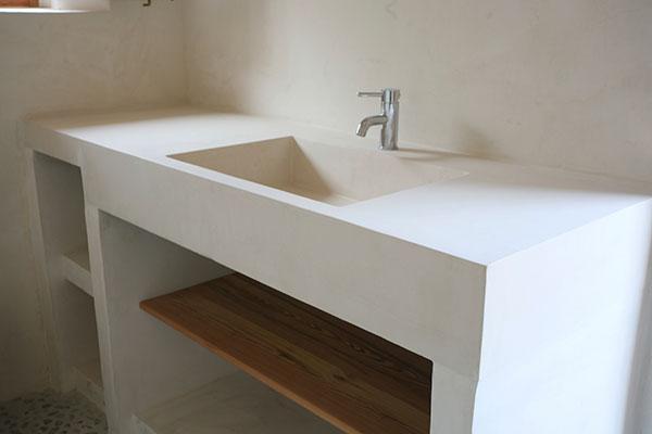 Baño Microcemento Blanco:Encimeras Fregaderos Escaleras Platos de ducha